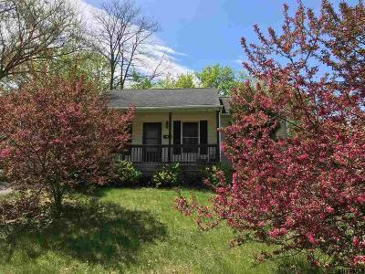 East Greenbush Single Family Home For Sale: 14 Poplar St