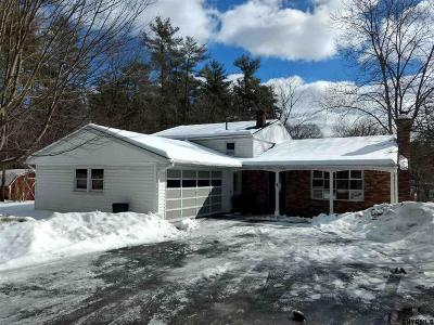 Saratoga Springs NY Single Family Home For Sale: $227,900
