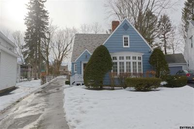 Schenectady Single Family Home For Sale: 258 Bradley Blvd