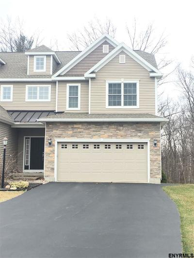Schenectady County Single Family Home For Sale: 157 Fieldstone Dr