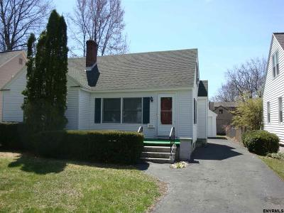 Niskayuna Single Family Home For Sale: 2312 Almeria Rd