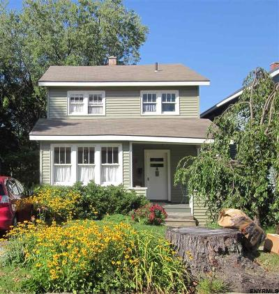 Schenectady Single Family Home For Sale: 2079 Plum St