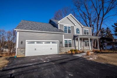 Colonie Single Family Home For Sale: 88 Fiddlers La