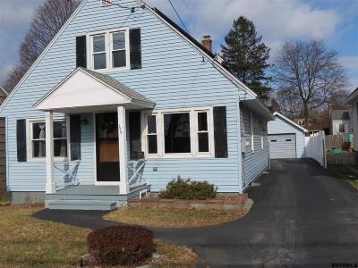 East Greenbush Single Family Home For Sale: 229 Hampton Av