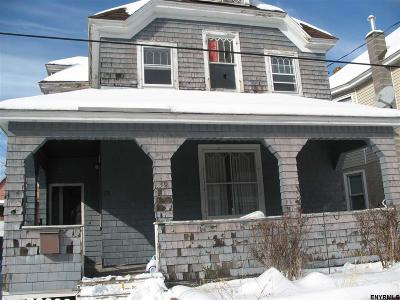 Single Family Home For Sale: 39 Robinson St