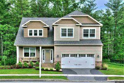 Saratoga Springs Single Family Home For Sale: 15 Annie Dr