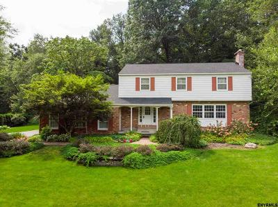 Saratoga County Single Family Home For Sale: 104 Nottingham Way South