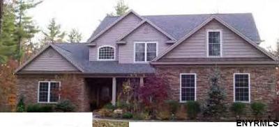 Saratoga County Single Family Home For Sale: 25 Macory Way