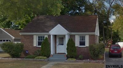 Colonie Single Family Home For Sale: 14 Campbell Dr