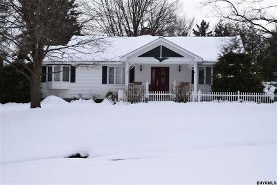Niskayuna Single Family Home For Sale: 2546 Troy Schenectady Rd