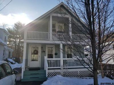 Schenectady Single Family Home For Sale: 814 Davis Ter