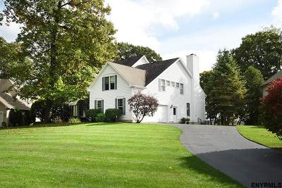 Saratoga Springs Single Family Home For Sale: 2 Eton Ct