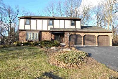 Niskayuna Single Family Home For Sale: 784 Hampshire Seat
