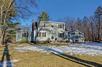 Schenectady County Single Family Home For Sale: 639 Pearse Rd