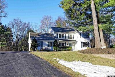 Schenectady County Single Family Home For Sale: 37 Macaulay La