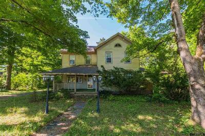 Broadalbin Single Family Home For Sale: 32 Maple St