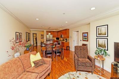 Saratoga Springs Single Family Home For Sale: 38 High Rock Av