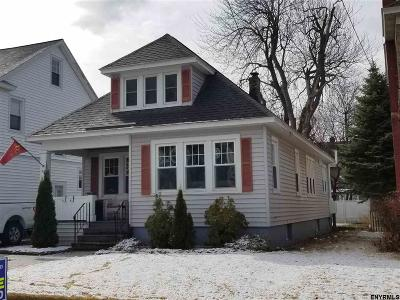 Troy Single Family Home For Sale: 49 Meadowlawn Av