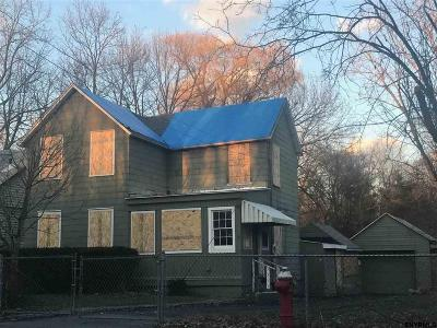 Troy Single Family Home For Sale: 1018 2nd Av