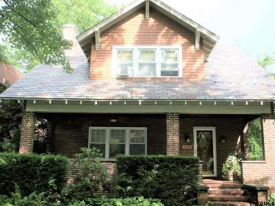 Albany Single Family Home For Sale: 156 Manning Blvd