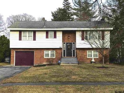 Schenectady Single Family Home For Sale: 1758 Athol Rd