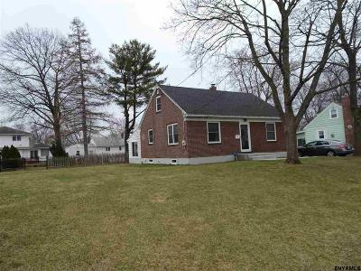 Colonie Single Family Home For Sale: 43 Killean Pk