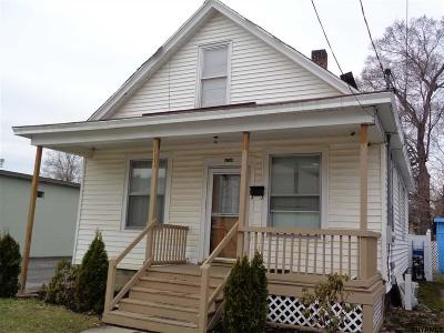Schenectady Single Family Home For Sale: 438 2nd St