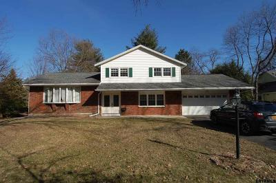 Albany County Single Family Home For Sale: 46 Woodstream Dr