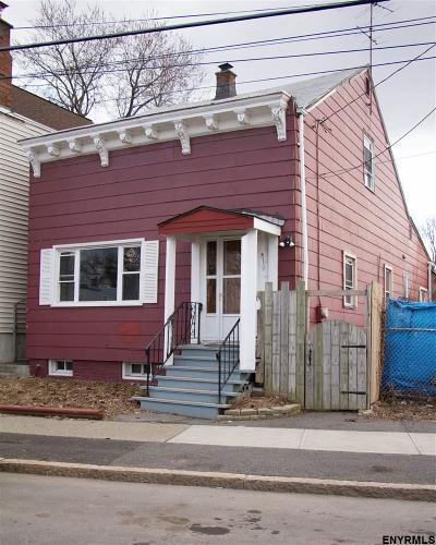 Albany Single Family Home For Sale: 810 Livingston Av
