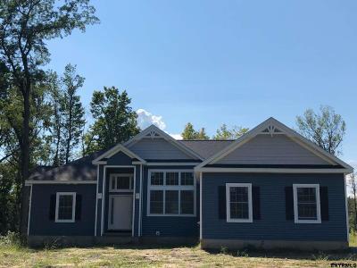 Guilderland Single Family Home For Sale: 4498 Hurst Rd
