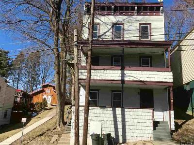 Rensselaer County Rental New: 80 Lincoln Av