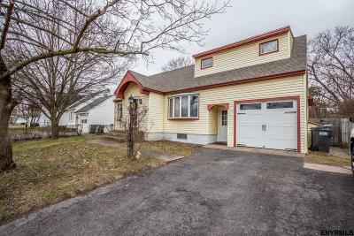 Schenectady Single Family Home For Sale: 364 E Campbell Rd Ext