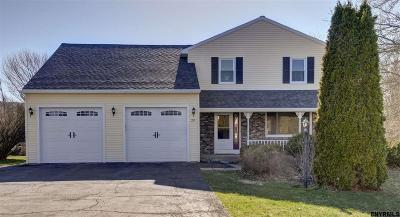 Guilderland Single Family Home For Sale: 29 Armstrong Cir