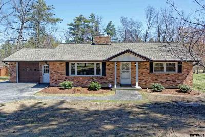 Voorheesville Single Family Home For Sale: 257 Bullock Rd