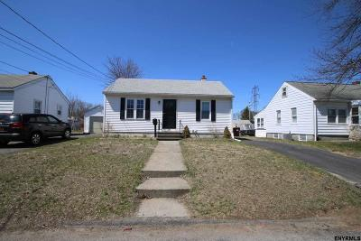 Colonie Single Family Home For Sale: 20 Admiral St