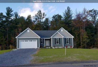 Ballston Spa Single Family Home For Sale: 51 Huntington Way