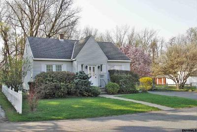 Colonie Single Family Home For Sale: 31 Lockrow Blvd