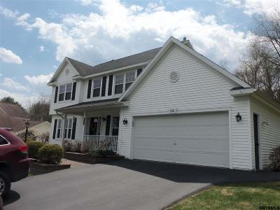 Guilderland Single Family Home For Sale: 135 Halfmoon Dr