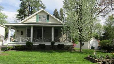 Colonie Single Family Home For Sale: 24 Arrow St