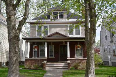 Schenectady Single Family Home For Sale: 1124 Glenwood Blvd