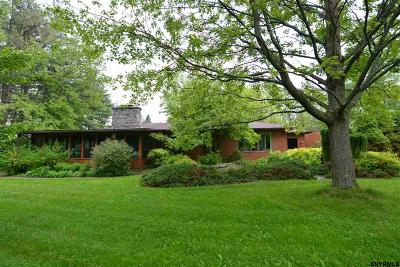 Voorheesville Single Family Home For Sale: 315 Bullock Rd
