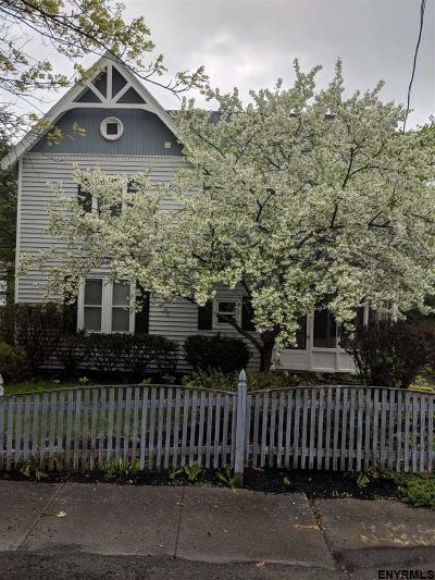Voorheesville Single Family Home For Sale: 25 Pleasant St
