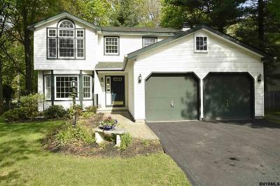 Guilderland Single Family Home For Sale: 109 Cambridge Ct