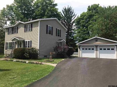 Kinderhook NY Single Family Home New: $235,000