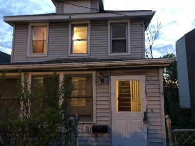 Troy Single Family Home New: 60 Oakwood Av