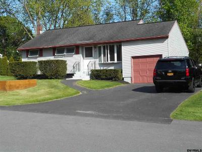 Colonie Single Family Home New: 50 Wedgewood Dr