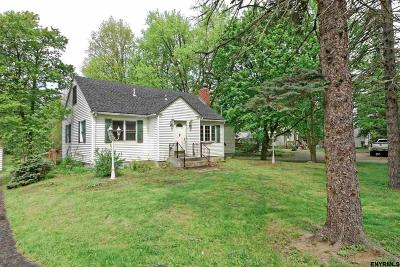 East Greenbush Single Family Home For Sale: 61 Troy Rd