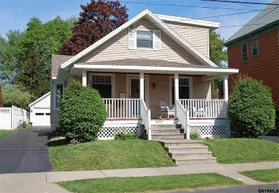 Niskayuna Single Family Home For Sale: 1079 Regent St