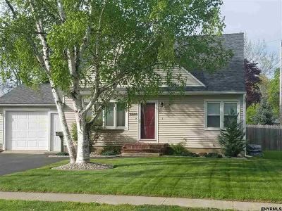 Schenectady Single Family Home For Sale: 2540 Consaul Rd