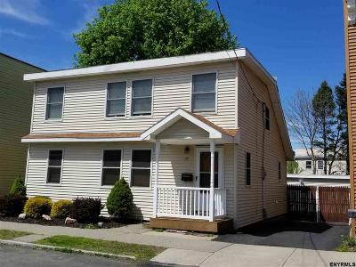 Cohoes Single Family Home For Sale: 79 Heartt Av